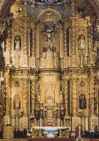 Main altar in the church of la Compañía: Peruvian influence from Cajamarca is felt in Quito, Ecuador.